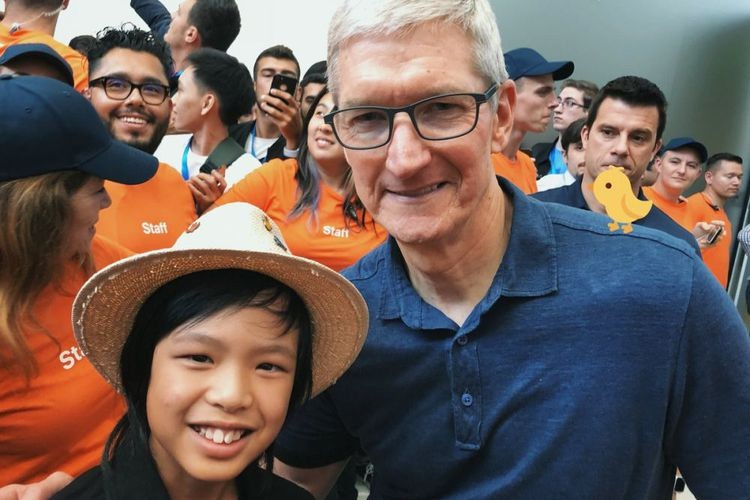 Yuma and Tim Cook